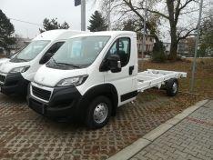 Objevte více informací o vozu Peugeot Boxer Šasi kabina 4350 L4 BlueHDi 165k S&S MAN6