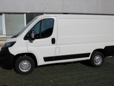 Objevte více informací o vozu Peugeot Boxer 3000 L1H1 ACTIVE BHDi 120k